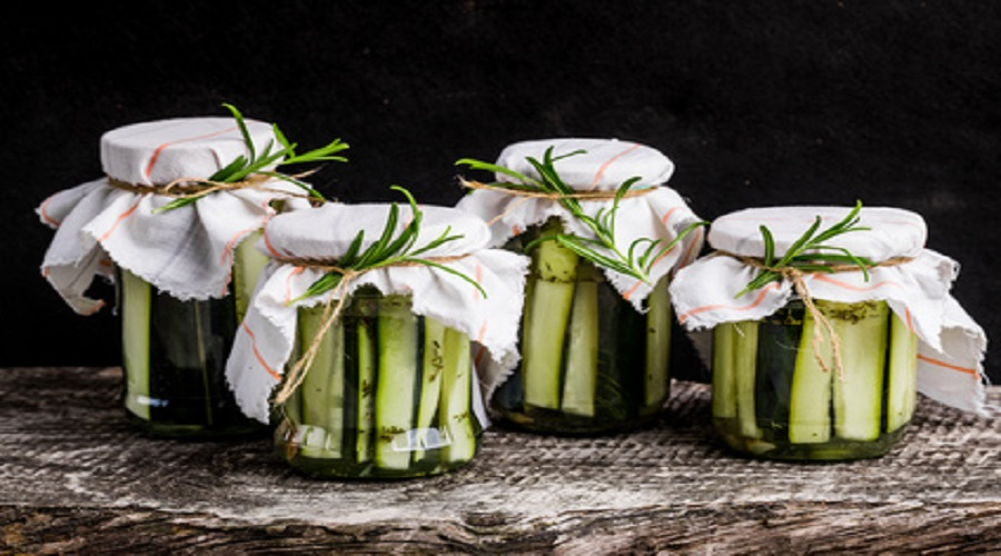 Eingelegte Zucchini Streifen Aus Der Geschenke Kuche Lchf Deutschland