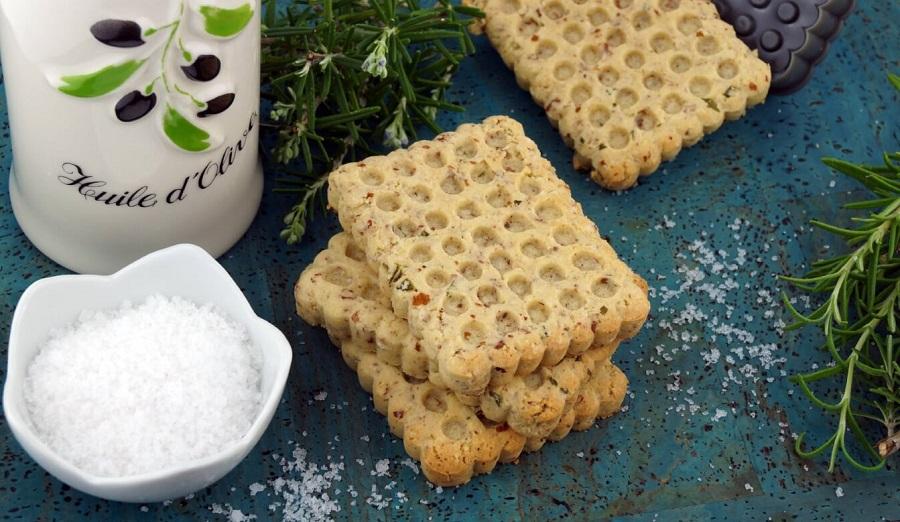 Mandel-Rosmarin-Cracker