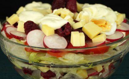 Sommerlicher Schichtsalat
