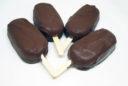 Eis am Stiel mit Schokoladenüberzug