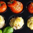 Ofenfrikadellen mit Frischkäsetomate