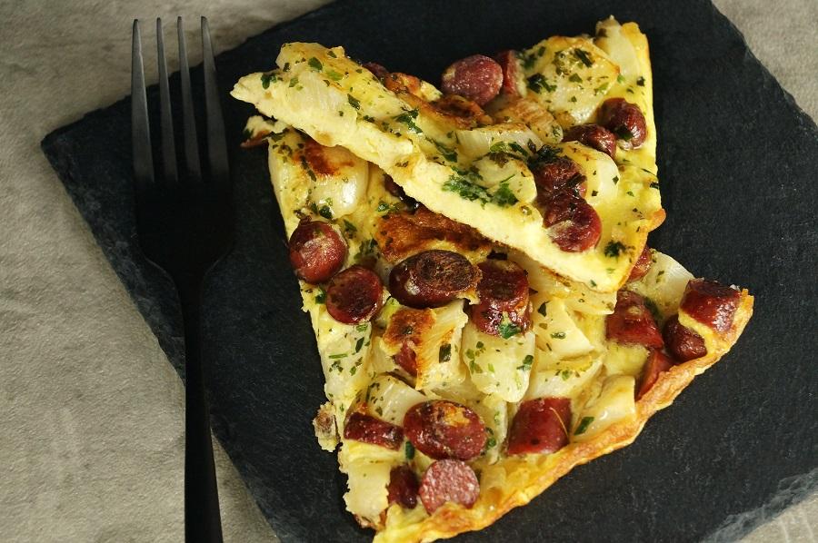 Omelette mit Spargel und Cabanossis