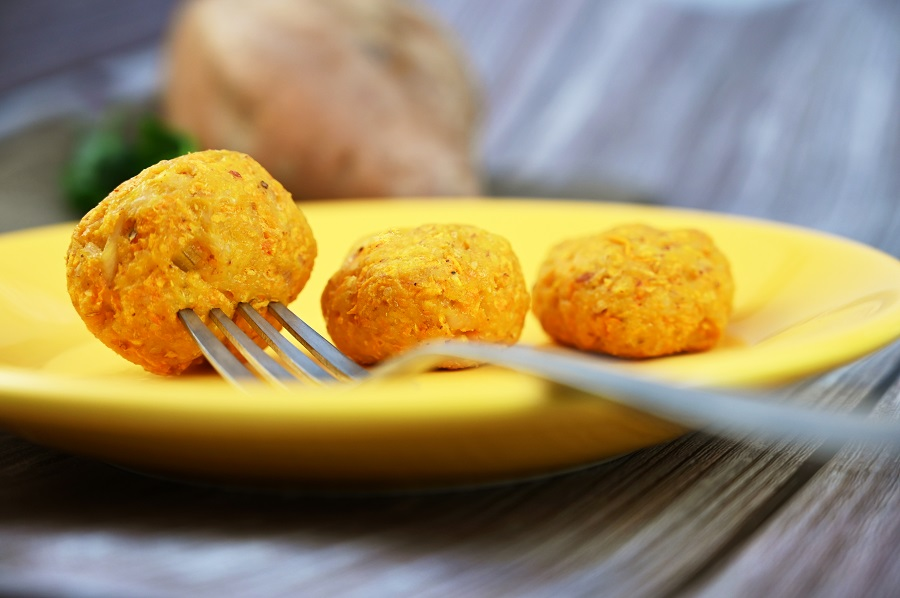 Hähnchen-Süßkartoffel-Bällchen