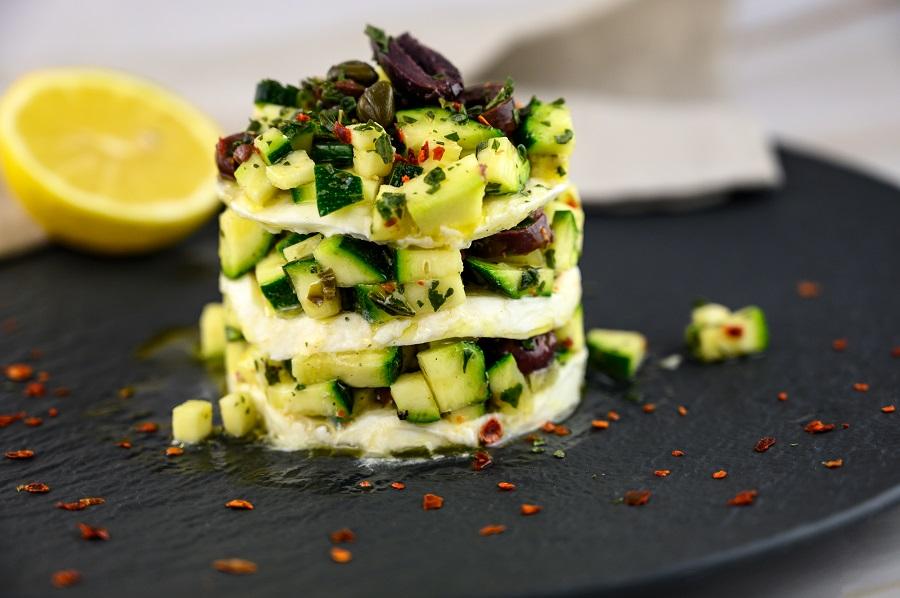 Mozzarella-Zucchini-Türmchen