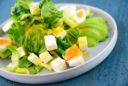 Grüner Salat mit Ei