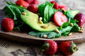 Erdbeersalat mit Parmaschinken