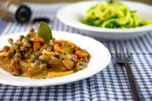 Geschnetzeltes mit Zucchinispaghetti