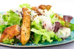 Salat mit Pute